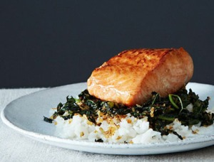 CRISPY-COCONUT-KALE-WITH-ROASTED-SALMON_390x297